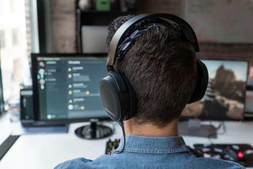 arctis-3-5-bluetooth-gaming-headset